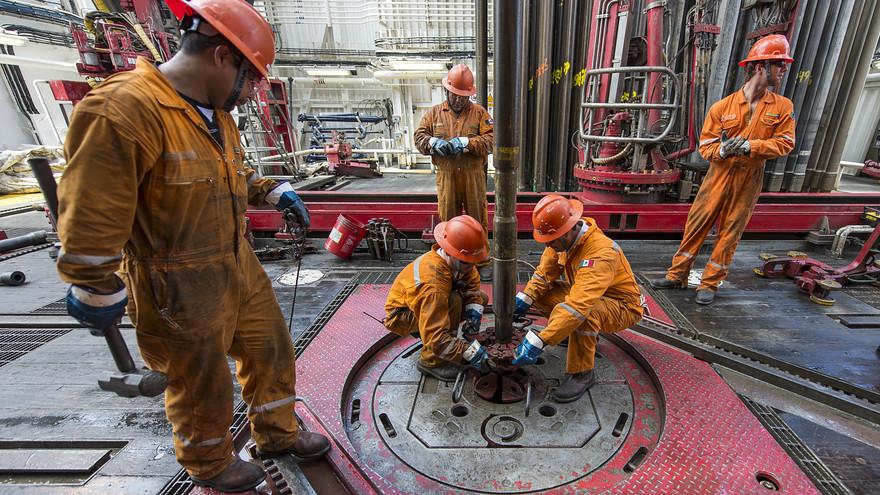 Giá dầu thô tăng nhờ Hoa Kỳ thông qua gói cứu trợ kỷ lục