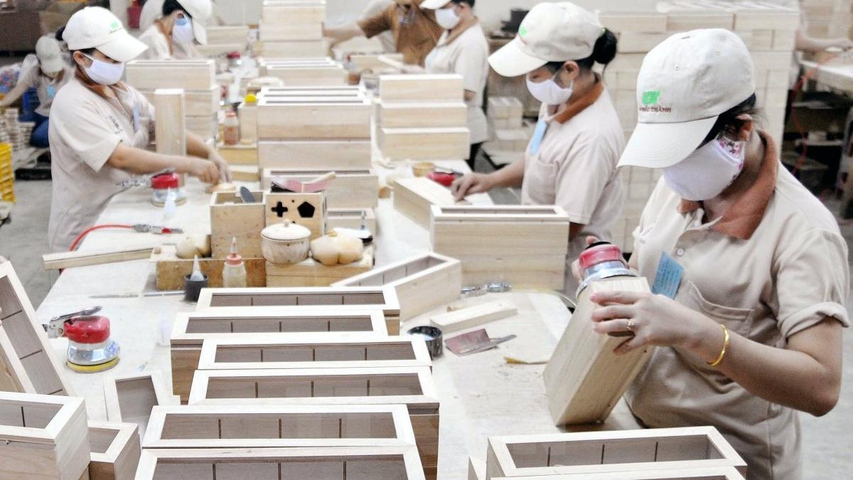 Bộ Công Thương vào cuộc cùng ngành gỗ ứng phó với điều tra chống lẩn tránh tại thị trường xuất khẩu