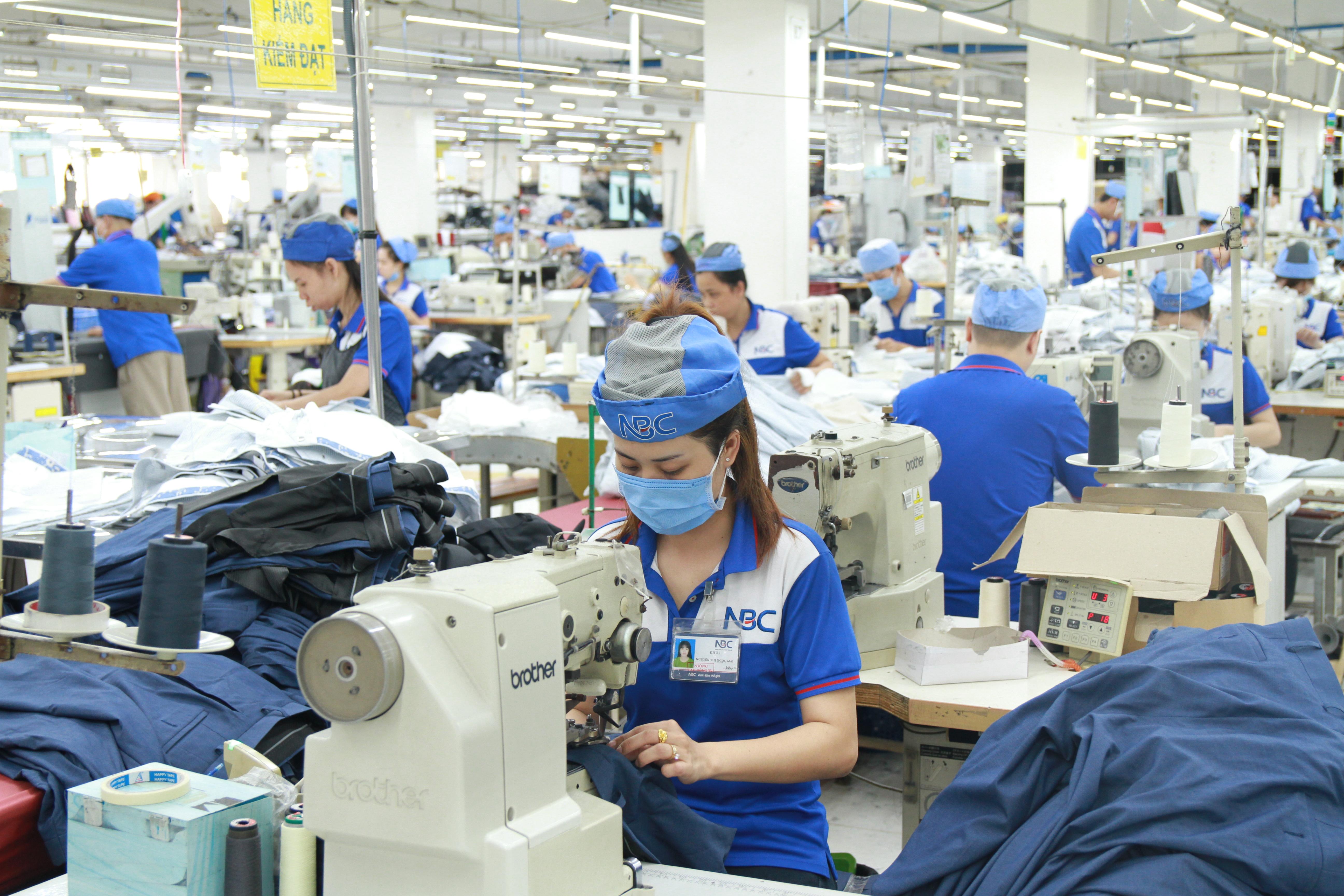 hơn 70 doanh nghiệp tham gia ký kết vì Mục tiêu Bền vững phát triển ngành Dệt May Việt Nam