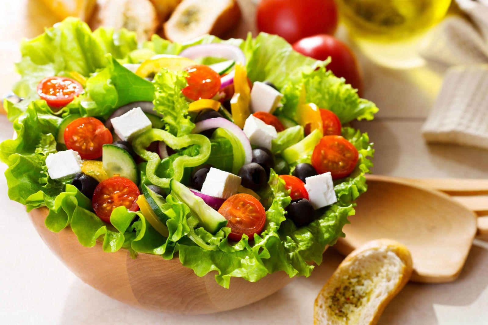 chế độ ăn uống cho da khô mụn